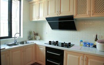 厨房橱柜古典风格装潢效果图