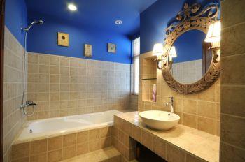 卫生间蓝色吊顶混搭风格装修设计图片