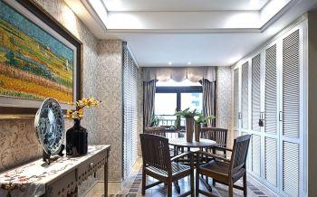 白色简欧风三居室装修案例实景图