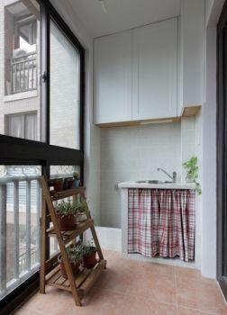 阳台白色现代简约风格装饰图片