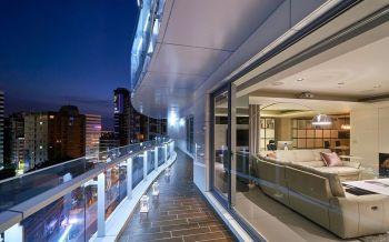 现代简约大户型舒适家居装修图片