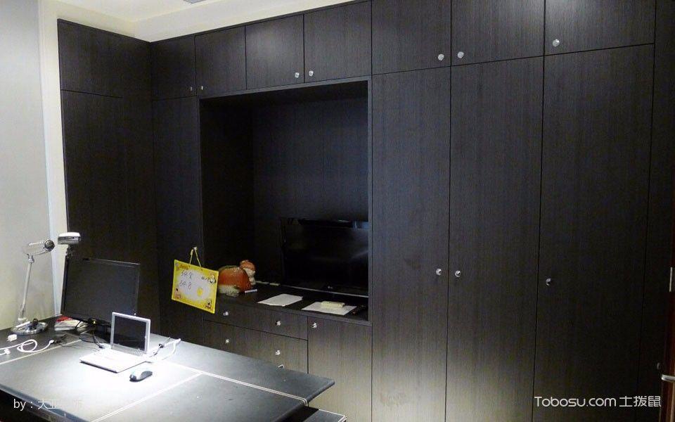 书房黑色书桌现代风格装修效果图