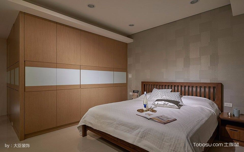 卧室黄色衣柜现代风格装潢设计图片