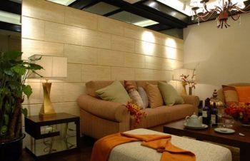 客厅黄色背景墙现代简约风格装饰图片