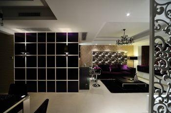 客厅白色走廊现代简约风格装饰设计图片