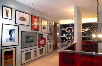 客厅灰色照片墙现代简约风格装潢设计图片
