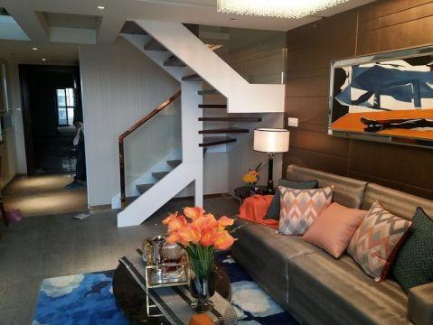 现代简约复式公寓实景装修