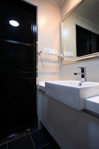 卫生间简约风格装潢设计图片