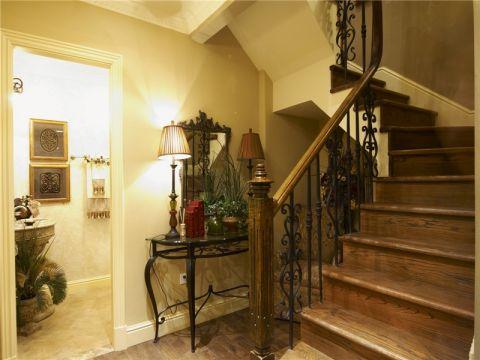 楼梯古典风格装修设计图片