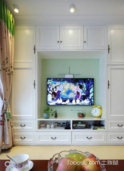 客厅白色电视柜田园风格装修效果图