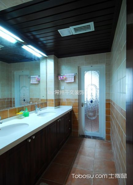 卫生间彩色吊顶中式风格装修图片