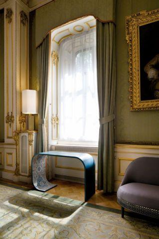 客厅飘窗洛可可风格装饰效果图
