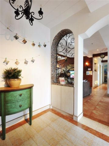 中吴红玺御园美式风格三居室装修效果图