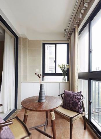 舒适客厅阳台装修设计图片