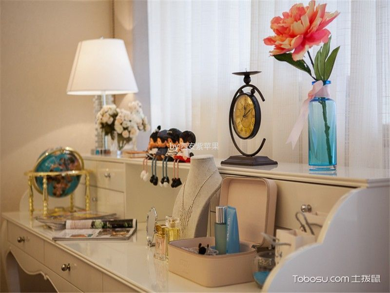 卧室白色梳妆台田园风格装饰图片