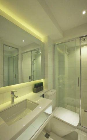 卫生间吊顶现代简约风格装饰图片