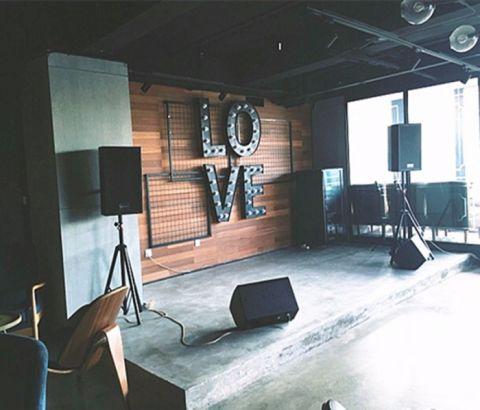 300平米工业风试衣间酒吧工装优乐娱乐官网欢迎您
