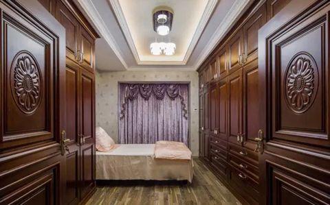 卧室实木衣柜混搭装修设计