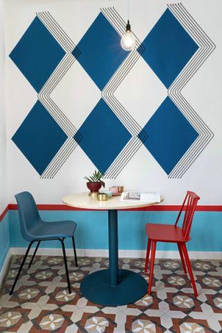 瓦伦西亚现代简约风格色彩旅舍工装效果图