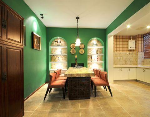 本案采用地中海装修风格,自然、明快,恣意享受美好时光。客厅的绿色背景墙呈现了地中海风格,巧妙运用了自然光线和人造光线,表述其浪漫情怀。