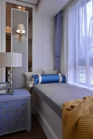卧室灰色飘窗欧式风格装潢图片