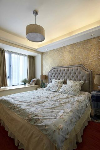 眩亮卧室美式装修设计图片