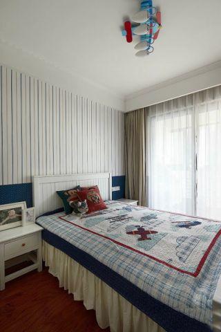 卧室白色背景墙室内装修设计