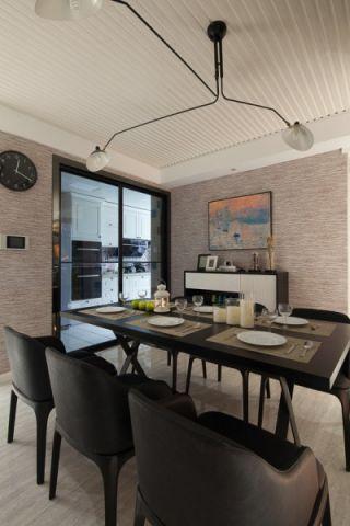 餐厅黑色餐桌现代风格装修设计图片