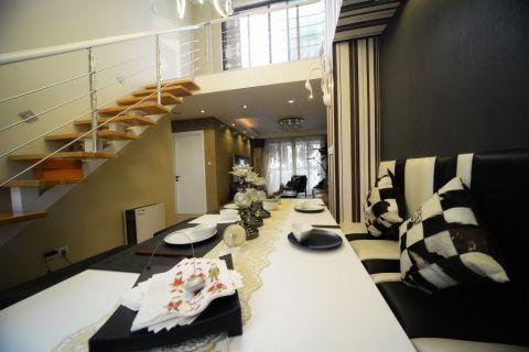餐厅黑色餐桌混搭风格装饰效果图