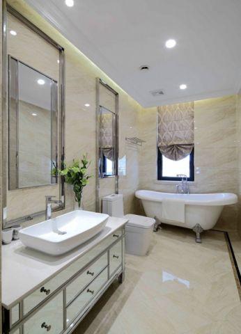 卫生间白色浴缸简欧风格装饰设计图片