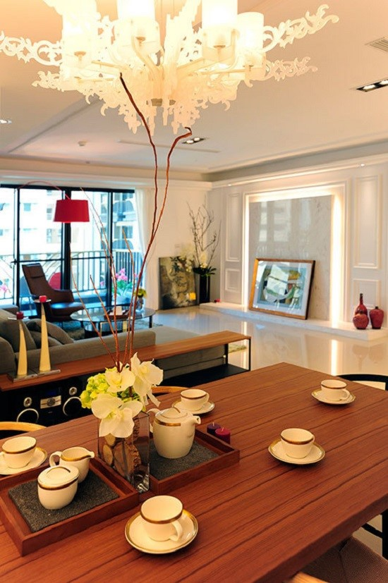 3室2卫1厅111平米新古典风格