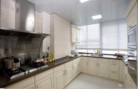 厨房白色橱柜欧式风格装潢设计图片