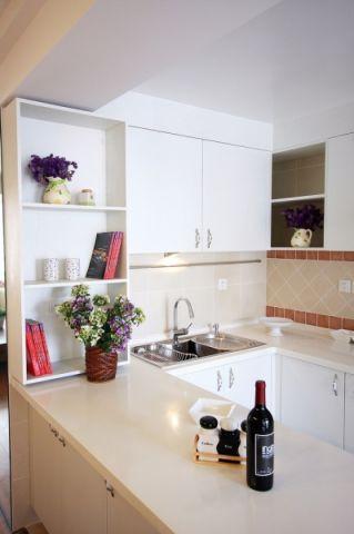厨房白色橱柜田园风格装饰效果图