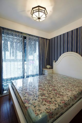 卧室白色床地中海风格装修图片