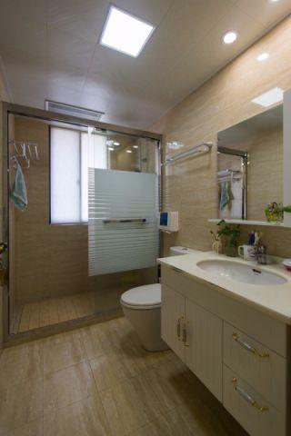 卫生间背景墙现代简约风格装修设计图片