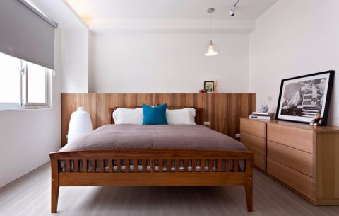 卧室床现代简约风格装修图片