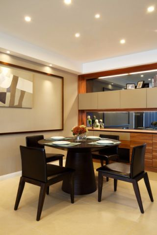 餐厅餐桌简约风格装潢设计图片