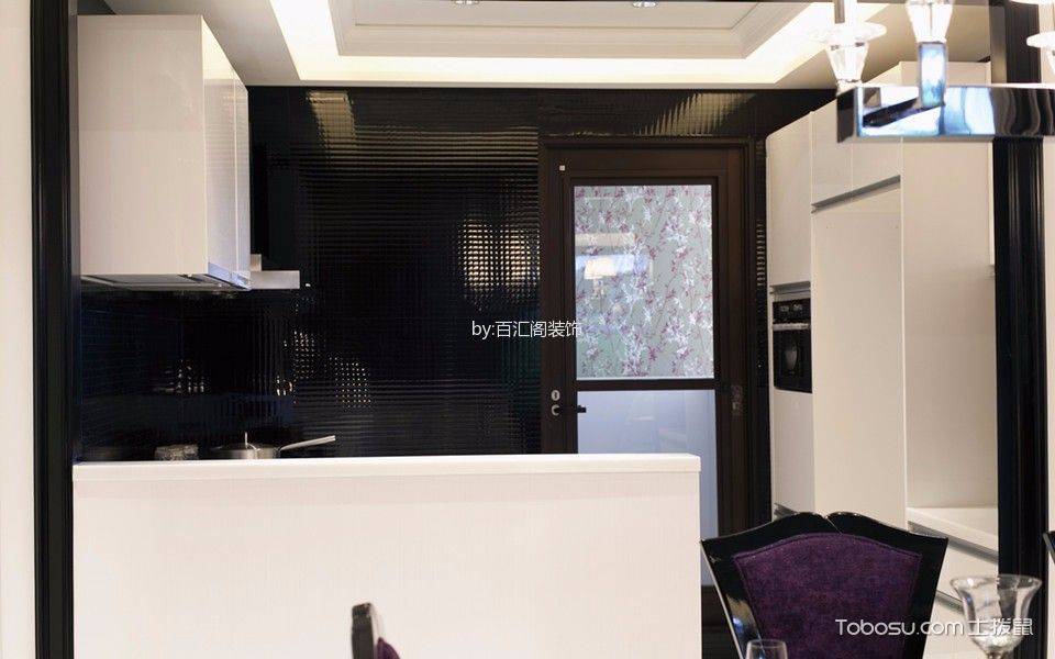 厨房黑色背景墙现代风格装修效果图