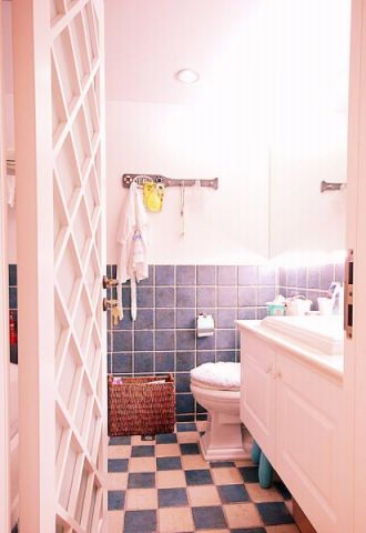 卫生间彩色地砖欧式风格效果图