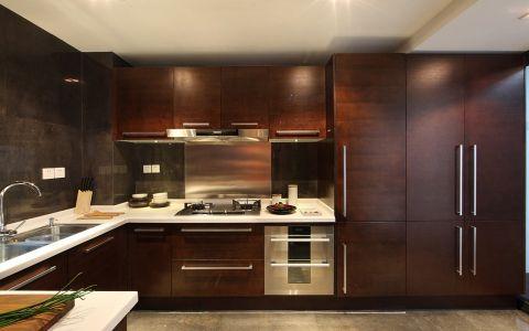 美式风格140平米公寓室内装修效果图