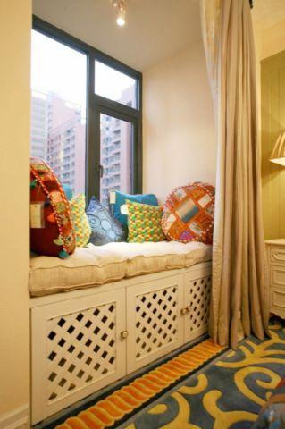 卧室飘窗地中海风格装饰图片