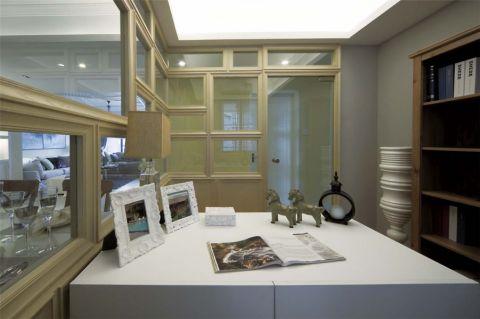 书房书桌现代简约风格装饰设计图片