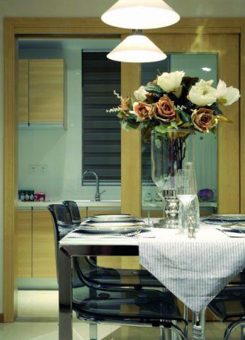 餐厅推拉门现代风格装饰图片