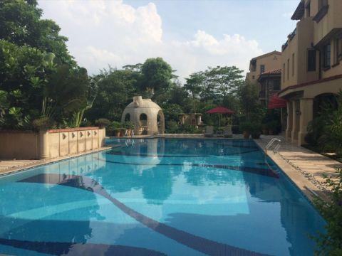 花园泳池欧式田园风格装潢效果图