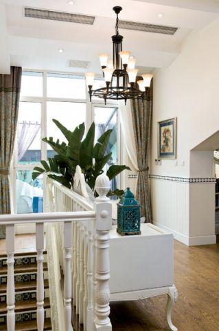 客厅阁楼地中海风格效果图
