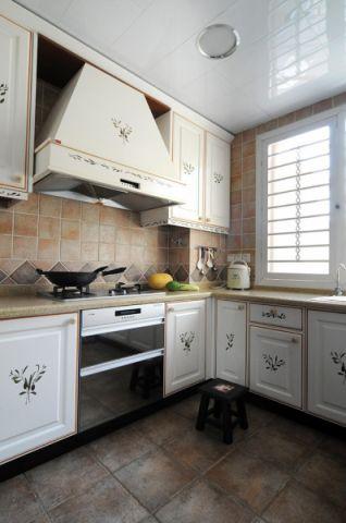 厨房吊顶新古典风格装饰图片