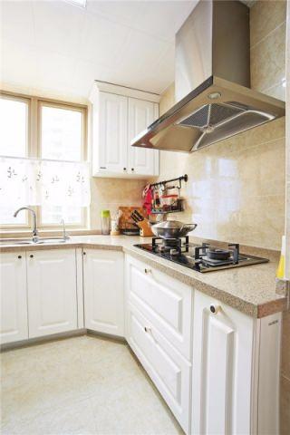 厨房白色橱柜美式风格装修设计图片