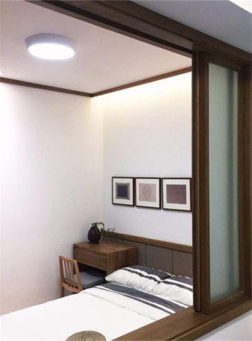 卧室白色吊顶简约风格装修图片
