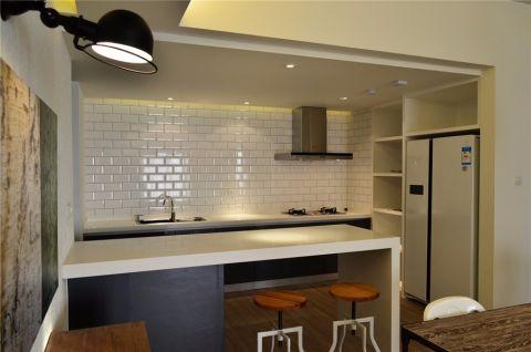 厨房白色背景墙简约风格装修设计图片