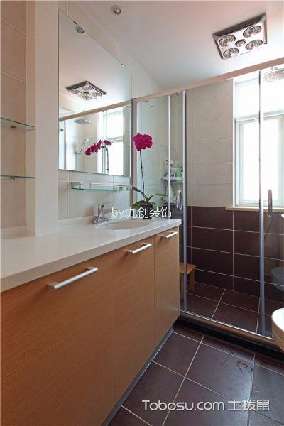 卫生间白色推拉门现代简约风格装潢效果图